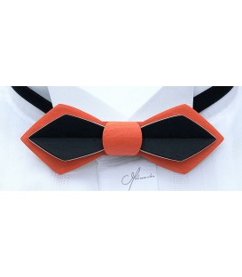 Bow Tie in wood, Nib in orange & black tinted Maple