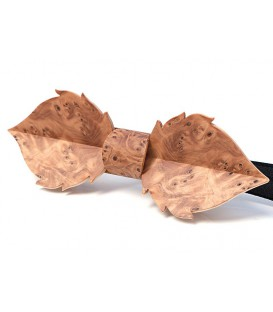Bow tie in wood, Leaf in Yew tree burl - MELISSAMBRE