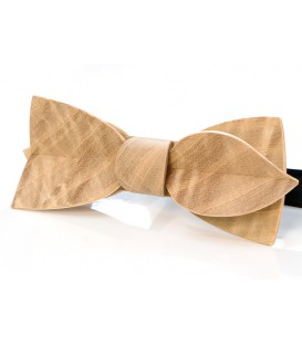 Bow tie in wood, Asymmetric in Ash-tree