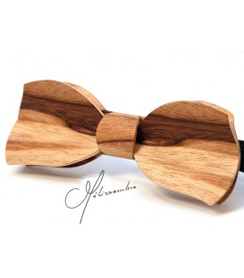 Bow tie in wood, Butterfly in Dogwood