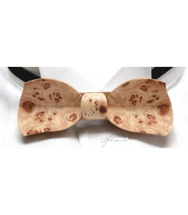 Bow tie in wood, Butterfly in Poplar burl